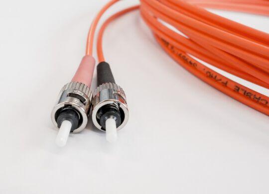 fiber-optic-cable-502894_1280